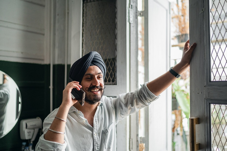 Stay connected with friends  and family while travelling